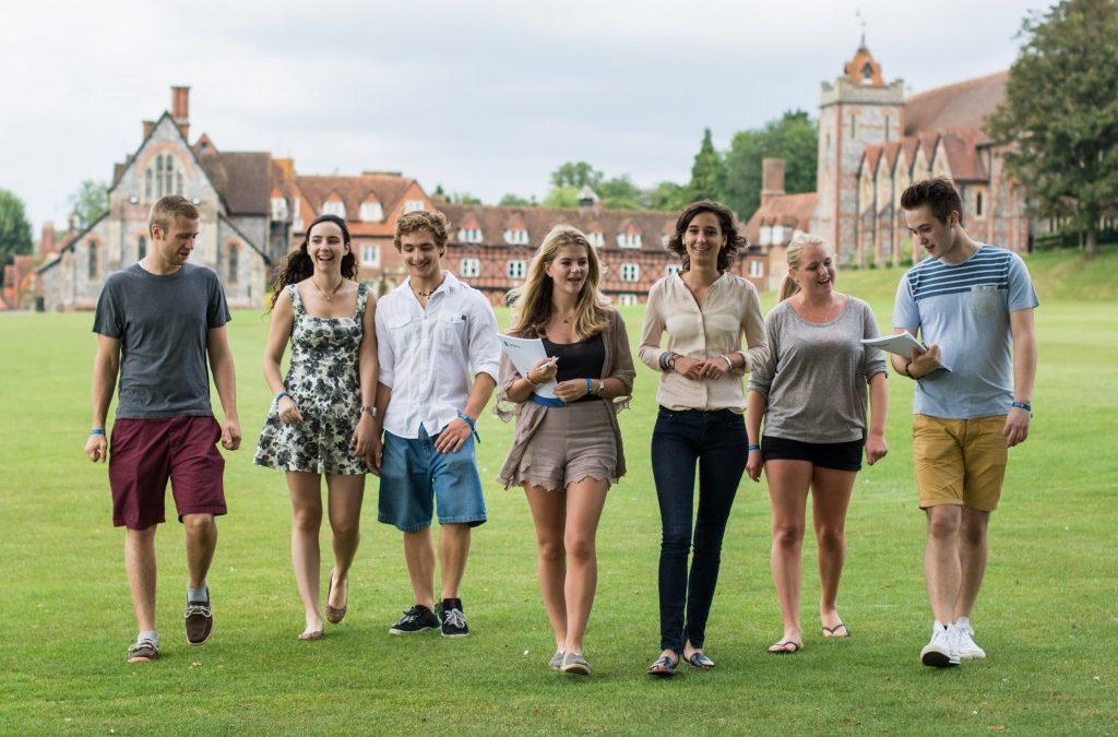 Групповая поездка в летний языковой лагерь в Англии 2017